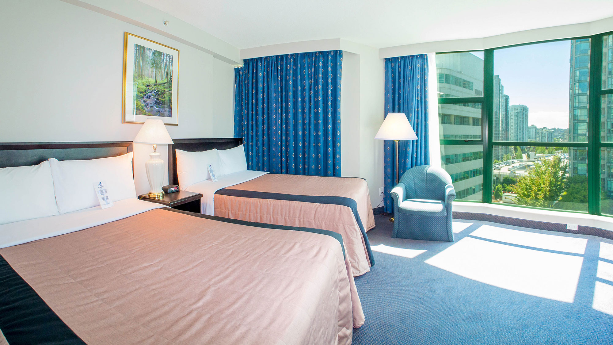 Deluxe-Two-Double-Suite